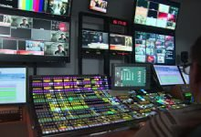 Photo of نشرة الأخبار التلفزيونية.. تحليلها وعناصرها.. مادة مهمة للصحفيين العرب