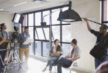 Photo of كيف تُصنع الأفلام؟ إليكم مراحل صناعة أي فيلم سينمائي ومهام كادر العمل